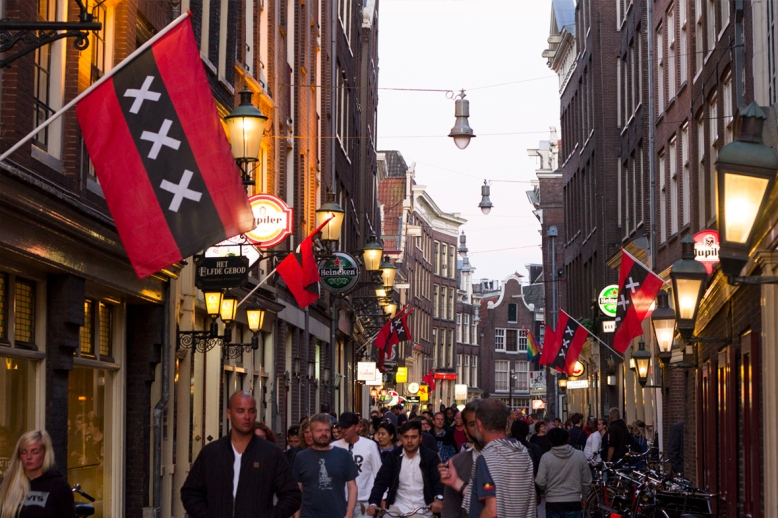 amsterdam-red-light-district-streets_02
